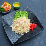 Жареный рис с крабом